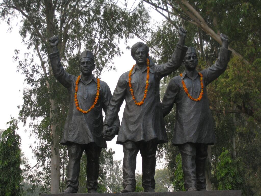 भगत सिंह नास्तिक क्यू बने ?